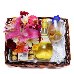 All Gold Treats Gift Hamper
