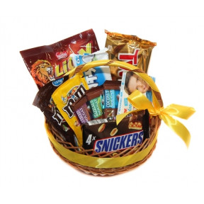 Snack and Chocolate Gift Basket