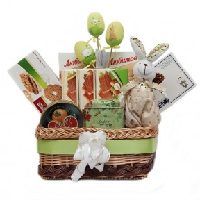 Gourmet Basket From Bunny