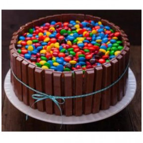Kit Kat Cake With Gems (1 Kg Cake)