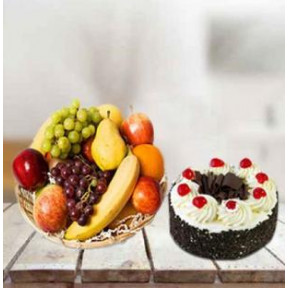 Fresh Fruits With Cake (3 Kg Fresh Fruits with 1/2 Kg Black Forest Cake)