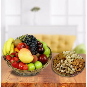 Fresh Fruits Basket With Dry Fruits (3 Kg Fresh Fruits with 1/2 Kg Dry Fruits)