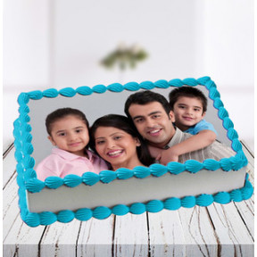 Lovely Family Photo Cake (1 Kg Vanilla Photo Cake)