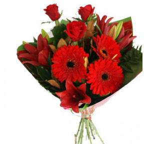 Red Mixed Flower Bouquet (24 Flower)