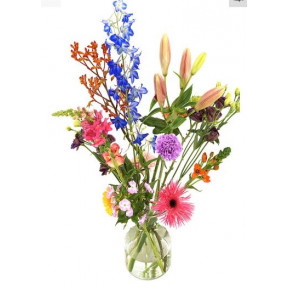 Order Love Chocolate Package (Chocolate package love + fresh red rose on water)