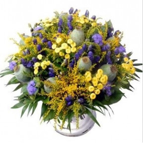 Red Roses And Leonidas Heart (Bouquet of 10 red roses + Heart with Leonidas bonbons)