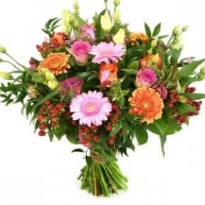 One In bouquet of orange roses (Medium)