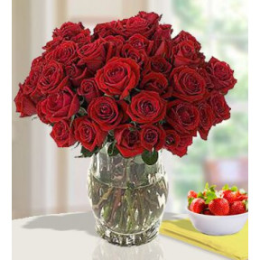 Touch Of Heart (60 Red Roses)