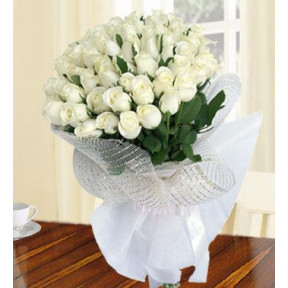 Cool Heather (80 White Roses)