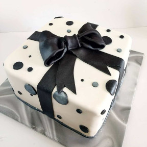 Classy Bow Cake (Seven inch )