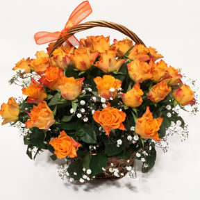 Flower basket with orange roses (25 Roses)