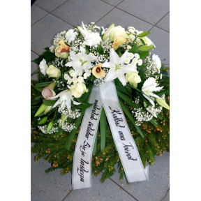 Wreath with white flowers: Lilys, Roses, Callas-2