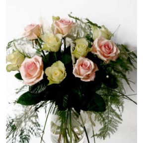 Bouquet of white and pink roses (Classic)