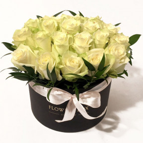 White Roses in a round giftbox (Premium)