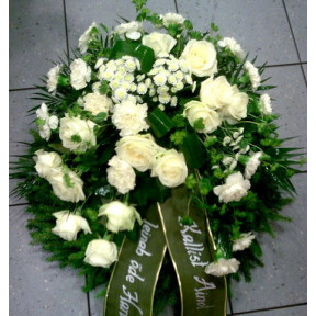 Smaller-sized wreath with white roses and carnations