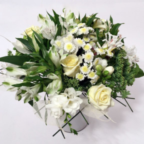 Bouquet of different white flowers