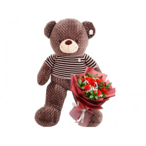 Giant 160Cm Teddy With Roses