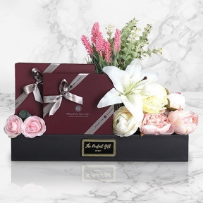Luxury Chocolate And Flowers Gift Box