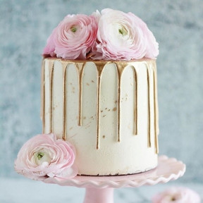 Gold And Roses Cake (1 KG)