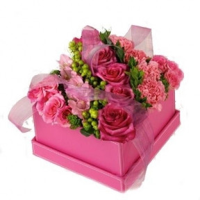 Pink Carnations & Roses Gift Box