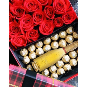 24 Carat Gold Emotion Sparkling Juice, Ferrero And Red Roses