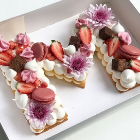 Letter Shape Cake With Berries And Macaroons - 1.5 Kg
