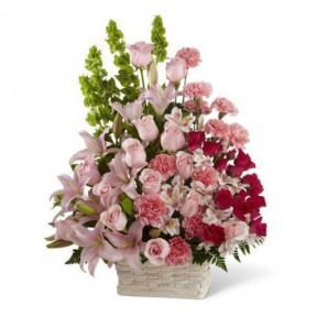 Grand Pink Flower Arrangement