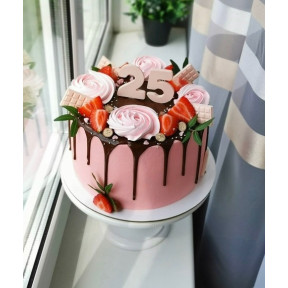 Fresh Strawberries And Pink Roses Cake