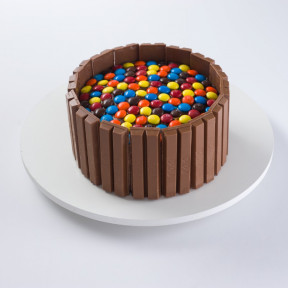 Kit-Kat Cake With M&M (1.5 Kg)