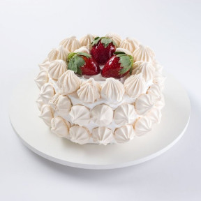 Strawberry Cake With Sighs (1 Kg)