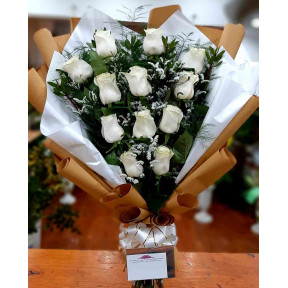 European Bouquet 12 Imported White Roses