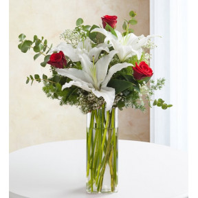 Bouquet Of 2 White Lilies And 3 Red Roses