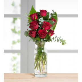 8 Red Roses - Heart-Warming Message