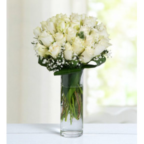 Winter Breeze - 30 White Roses
