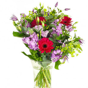 Send The Bouquet Of Barcelona As Flower Delivery (Standard)