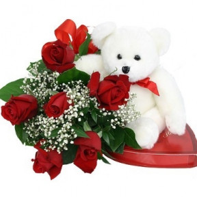 Bouquet De 6 Roses. Chocolates And Bear Included