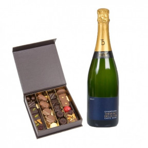Chocolates And Champagnes Champagne (25 NUMBER OF CHOCOLATES)
