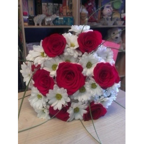Roses & Chrysanthemums Bouquet
