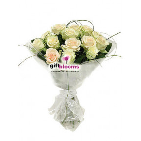 15 white roses Tenderness