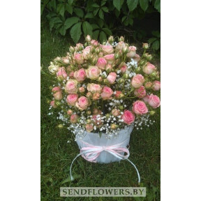 Basket of pink spray roses For My Lady