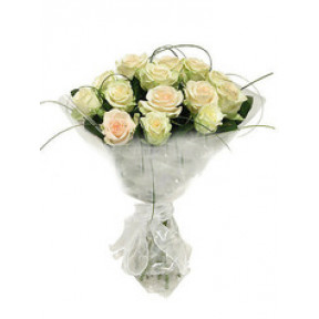 Round bouquet of 15 white roses Tenderness