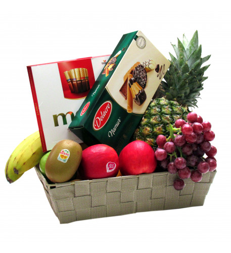Fruit basket with Belgian biscuits and chocolate