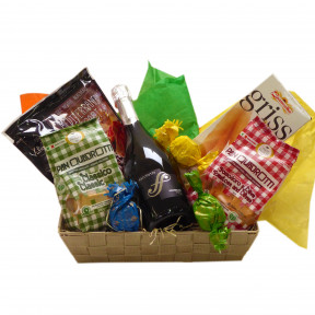 Italian gift basket with Prosecco and goodies