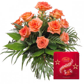 Bouquet of orange roses and chocolates (Small)