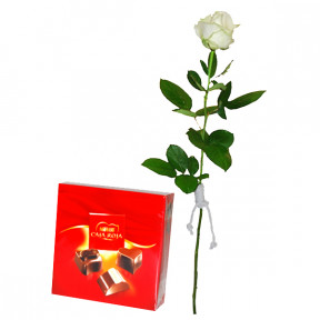 White rose and mini nestle box