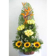 3 BOUQUET ARRANGEMENT