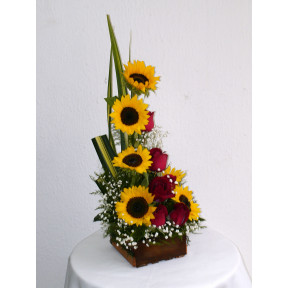 Guacalito Of Roses And Sunflowers