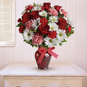 Hugs and Kisses Bouquet with Red Roses by Teleflora