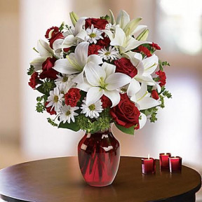 BE MY LOVE BOUQUET BY TELEFLORA