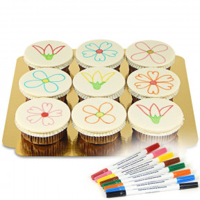 Cupcakes with cake pens